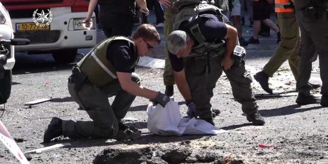 המשטרה: לא להגיע לאזורי הנפילות, הישארו סמוך למרחבים מוגנים