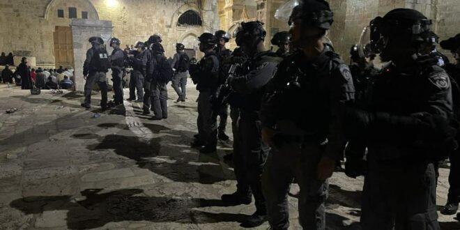 6 שוטרים נפצעו במהלך עימותים בהר הבית
