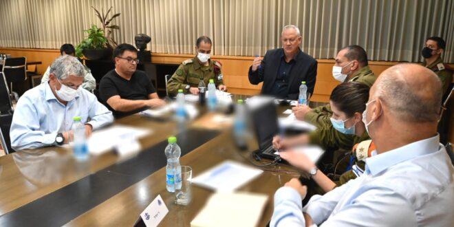 השר גנץ: חמאס הפר את הריבונות הישראלית. הוא יישא בתוצאות