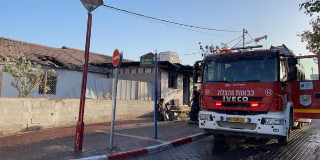 שריפה פרצה במבנה נטוש ברחוב האלמוגים באילת, אין נפגעים