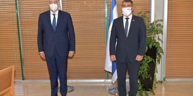 """שר החוץ למקבילו היווני: """"ביקורך עדות ליחסים הקרובים בין המדינות"""""""