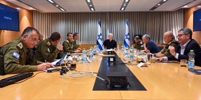שר הביטחון בני גנץ החל בהתייעצות ביטחונית מורחבת עם ראשי מערכת הביטחון