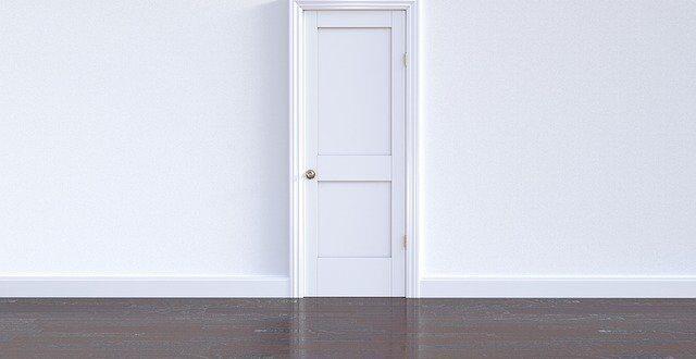 מנעולן פיקס על היתרונות בהתקנת סגר ביטחון לדלת
