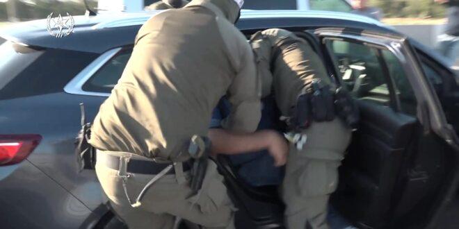 הותר לפרסום: סוכן סמוי הביא למעצרם של עשרות חשודים בגין הברחה וסחר באמצעי לחימה