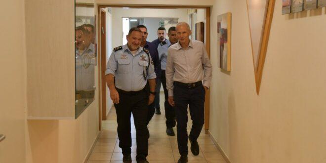 השר לביטחון פנים וראש אגף ס'יף ביקרו באום אל פאחם
