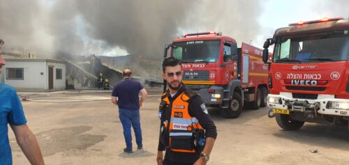 WhatsApp-Image-2021-06-07-at-13.34.12-500x237 כפר קאסם: גבר בן 30 נפגע בשריפה שפרצה במפעל בעיר, מצבו בינוני