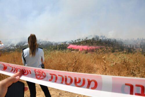 WhatsApp-Image-2021-06-09-at-15.18.45-500x333 השריפה בהרי ירושלים: כביש מספר 1 נחסם לתנועה לכיוון תל אביב