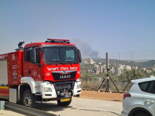 WhatsApp-Image-2021-06-09-at-16.11.56-1-500x375 שריפה פרצה סמוך לאריאל, צוותי כיבוי אש רבים במקום