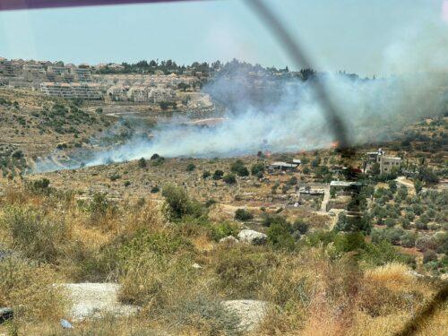 WhatsApp-Image-2021-06-10-at-14.25.26-500x375 שריפה מתפשטת במהירות סמוך לביתר עלית, מטוסי כיבוי הוזנקו