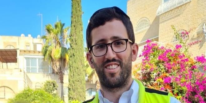 """ילדה ננעלה בשגגה בתוך רכב בירושלים – וחולצה בשלום ע""""י מתנדב 'ידידים'"""