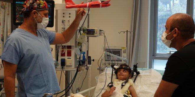 ניתוח נדיר הציל את חייו של עמרן בן ה-4 שנפצע אנוש בתאונת דרכים