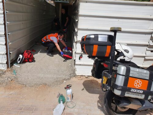 WhatsApp-Image-2021-07-13-at-15.21.51-1-500x375 פועל בן 24 נפל מגובה באתר בניה באשדוד, מצבו אנוש