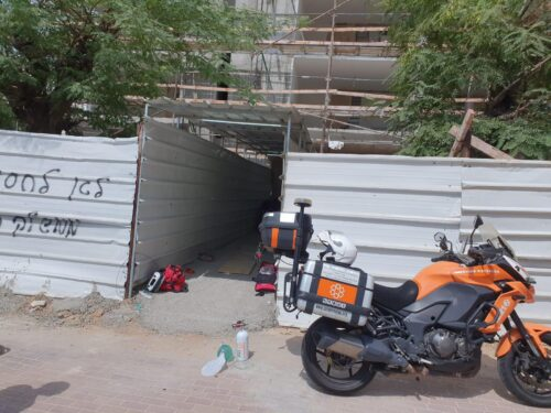 WhatsApp-Image-2021-07-13-at-15.21.51-500x375 פועל בן 24 נפל מגובה באתר בניה באשדוד, מצבו אנוש