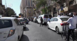 """מחבל החל לדקור אזרחים בתחנה המרכזית בירושלים – שוטרות מג""""ב חתרו למגע, ..."""