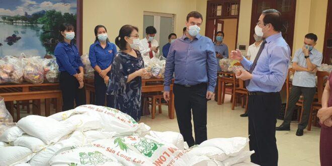 שגרירות ישראל בוייאטנם: 500 חבילות מזון למשפחות נזקקות בפאתי הבירה האנוי