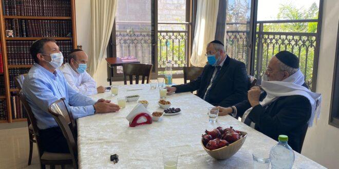 """השר לשירותי דת נפגש עם הרב הראשי לישראל דוד לאו שליט""""א"""