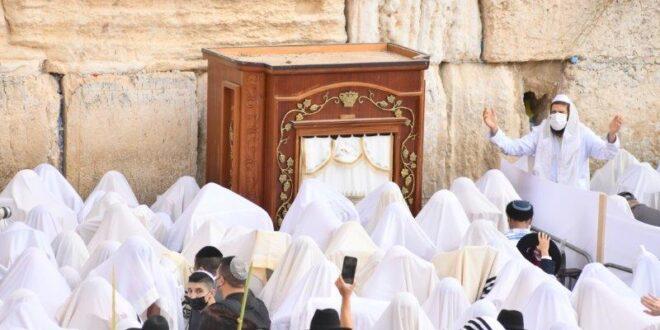 אלפים השתתפו בברכת הכהנים השנייה ברחבת הכותלהמערבי