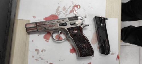 אקדח נתפס ושלושה נעצרו בג'סר א זרקא