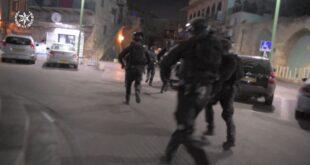 """בפעילות מבצעית של שוטרי תחנת עכו, לוחמי יס""""מ ומג""""ב, נתפסו בבית בעכו אק..."""