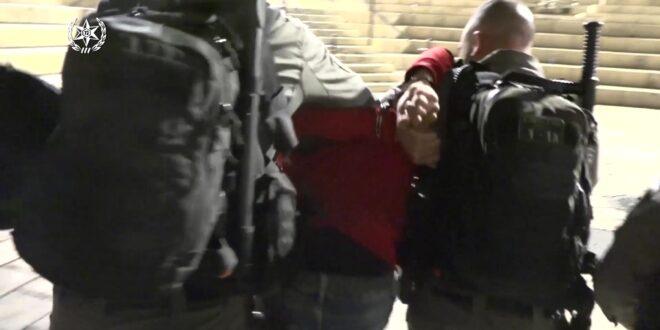 מתפרעים יידו אבנים לעבר כוחות המשטרה ואוטובוסים סמוך לשער שכם, 11 חשודים נעצרו