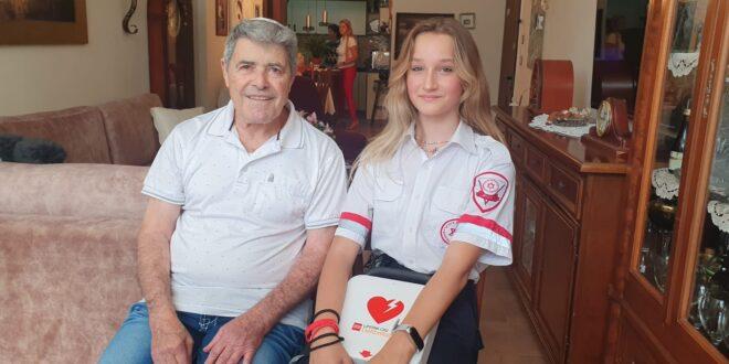 """לאחר שתי משמרות בלבד: מתנדבת מד""""א בת 15 הצילה את חייו של גבר שלקה בדום לב ברחוב"""