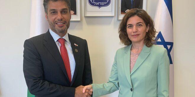 """השרה זנדברג נפגשה עם שגריר האמירויות בישראל: """"הזדמנות עצומה לחזק את הסביבה"""""""