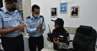 ניידת המשאלות של המשטרה בג'סר א זרקא