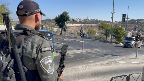 """לוחמי מג""""ב תפסו 375 שוהים בלתי חוקיים ועצרו חשודים בהסעתם לירושלים"""