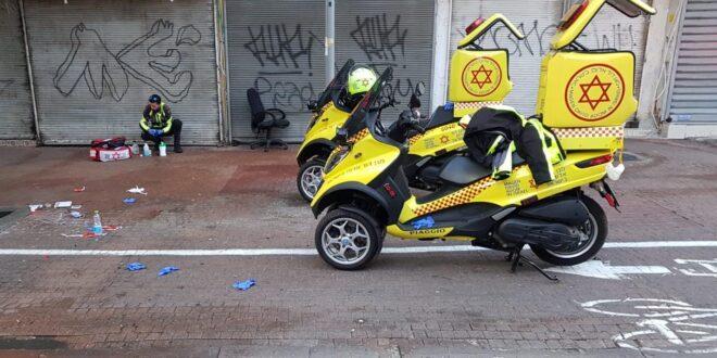 פעולות החייאה בנתין זר מאריתראה בן 30 שנורה ברחוב נווה שאנן בתל אביב