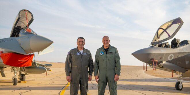 """במסגרת התרגיל הצבאי """"דגל כחול"""": מפקד חיל האוויר הגרמני ביצע מטס בשמי הארץ"""