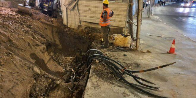 בעקבות רשלנות של קבלני חפירות: כבלי חשמל תת קרקעיים ניזוקו בירושלים