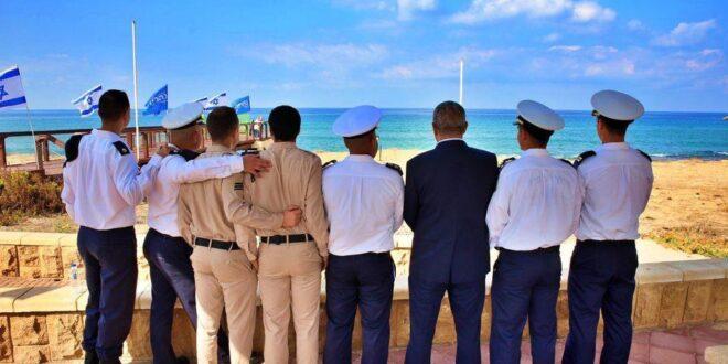 """נהריה זוכרת את חללי אח""""י 'דקר': אנדרטה לזכר לוחמי הצוללת נחשפה בטקס מרגש"""
