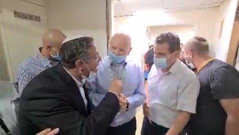 """מהומה בבי""""ח קפלן: בן גביר ניסה להכנס לחדרו של אסיר חמאס – ואיימן עודה דחף אותו"""